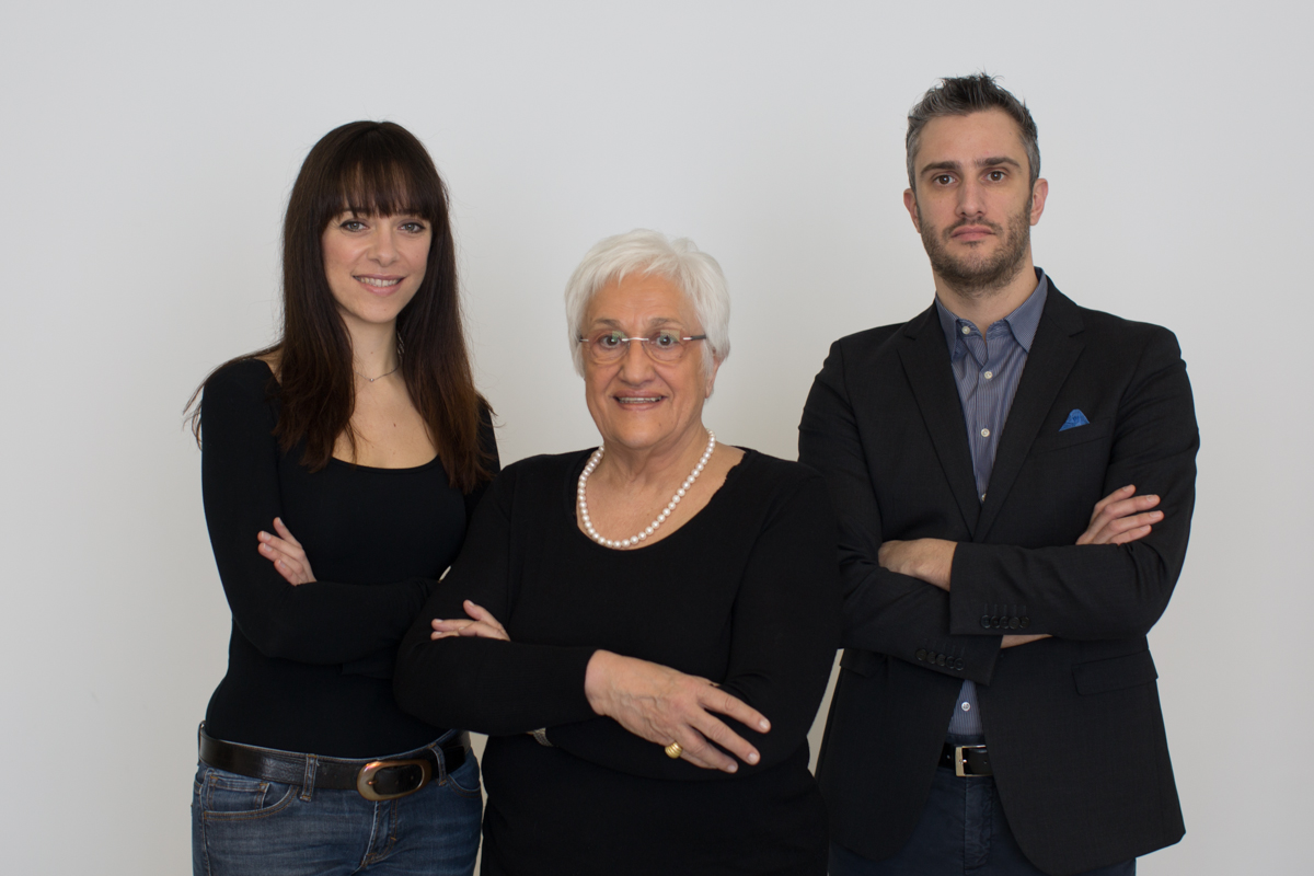 Studio De Anna Pezzarini - commecialisti e consulenti del lavoro. Da sinistra: Francesca De Anna, Maria caterina Pezzarini, Enrico De Anna